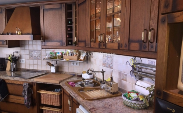 Cocina de apartamento en Albatros III, Nueva Andalucia