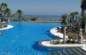 TTB0007, Lujoso apartamento en alquiler en Mar Azul, Estepona